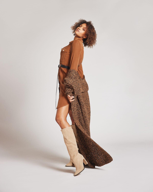 C5 Rinascimento, braunes Kleid mit Mantel