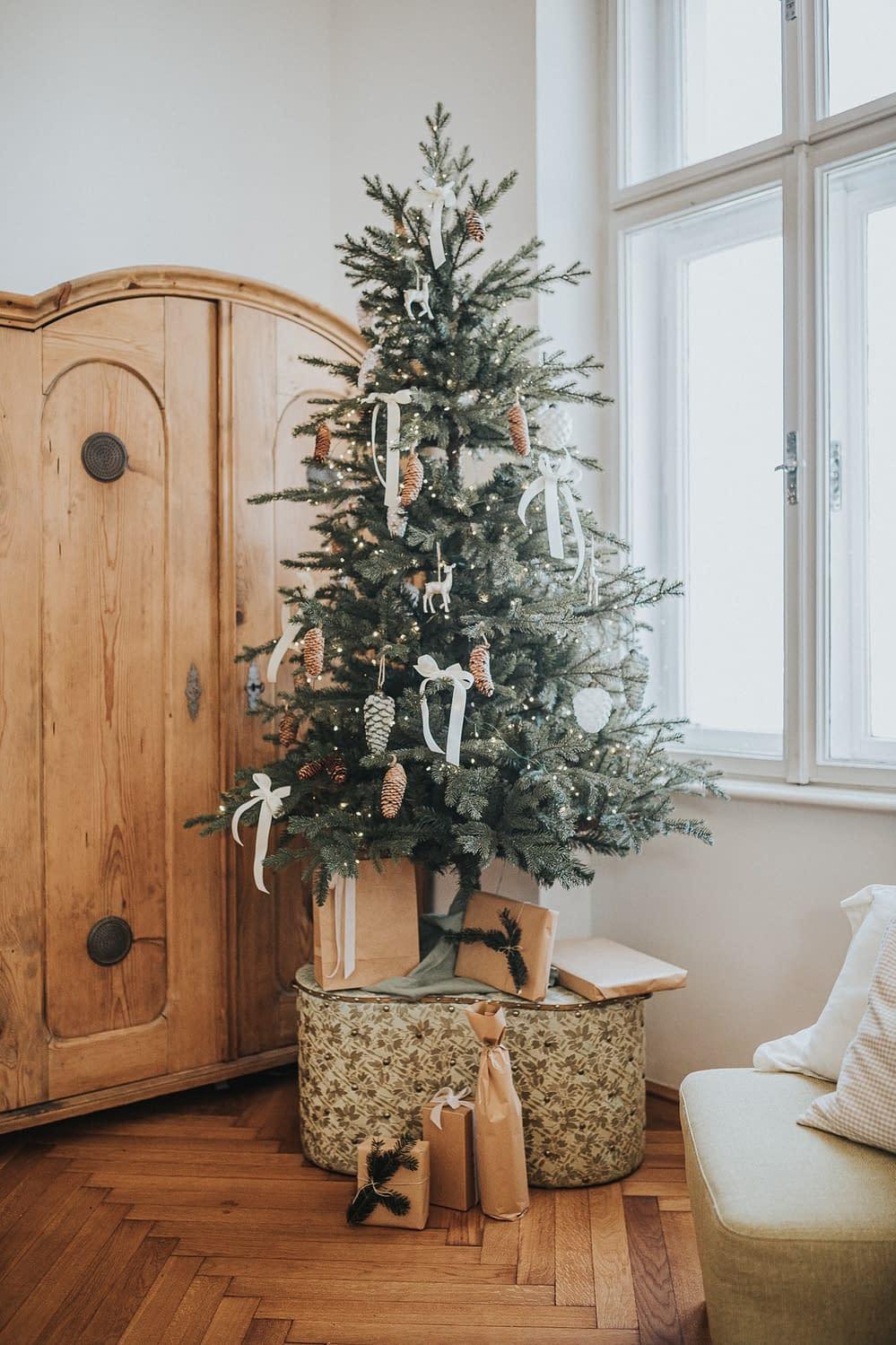 Weihnachtsbaum - Dekoration