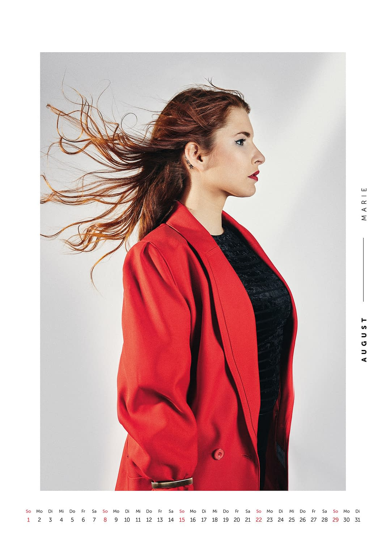 August - Volkshilfe Fashion Kalender 2021 - Marie