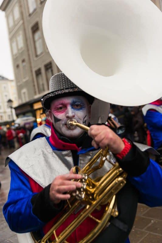 Tubaspieler am 22. Euro-Carneval und Guggemusik-Festival 2015 in Salzburg