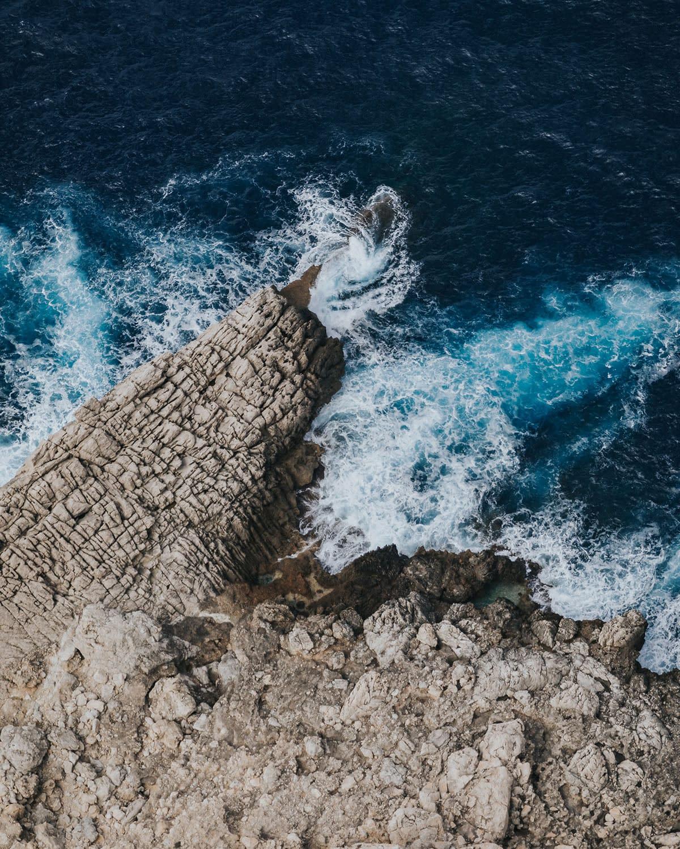 Detail-Ocean-waves-NZUP-018-00