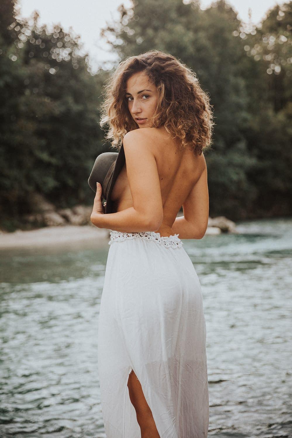 Natur Portrait Luisa am Fluss