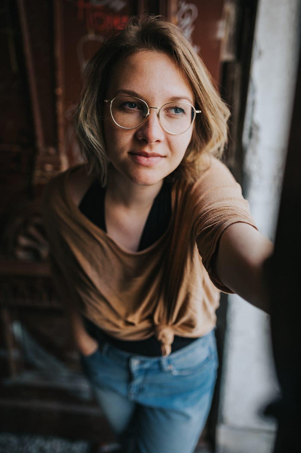 Künstler Portrait - Theresa