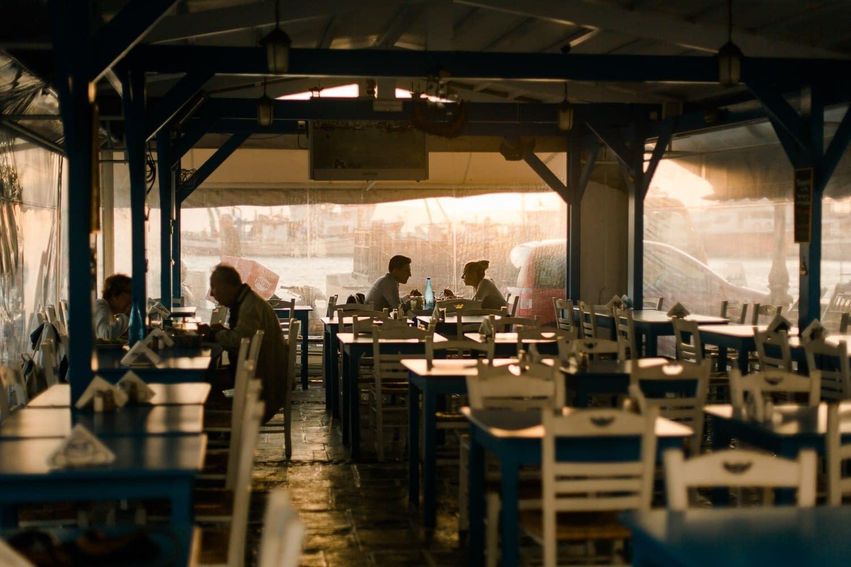 Sonnenuntergang auf der Restaurantmeile